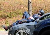 Captain-America-Duds-Filming-Avengers9_1-Geekster.ru_